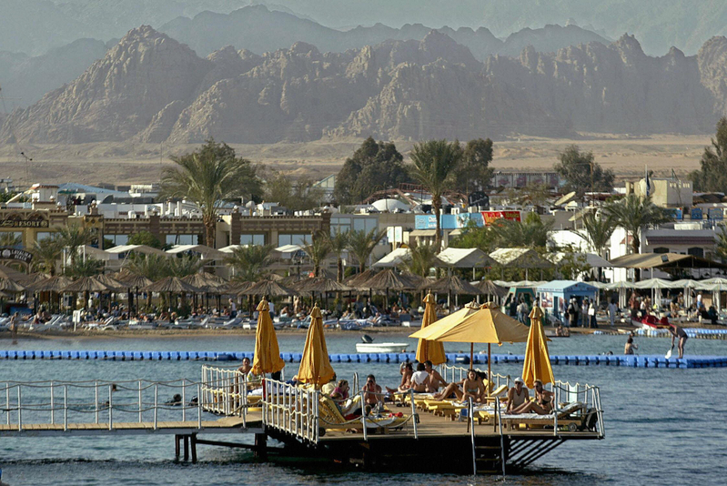 Egypt's Ministry of Tourism adopts initiatives to woo  tourists from the Arab Gulf states to visit the country in the summer season, especially the Sinai peninsula. (AFP Photo)