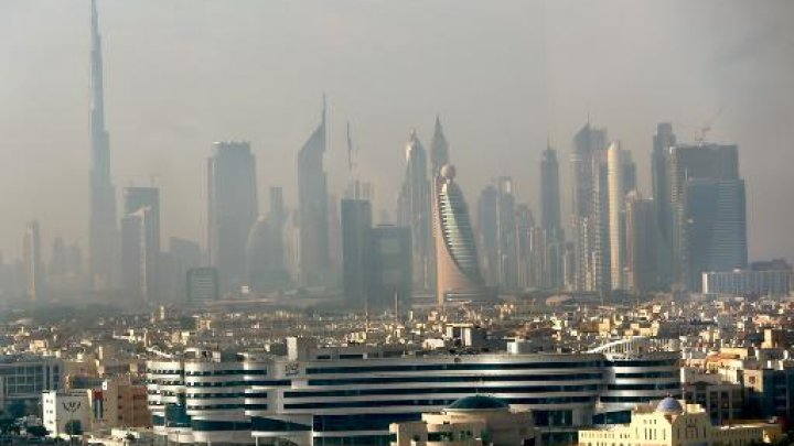 Part of the skyline of the city of Dubai, seen in the early hours of the morning from the Dubai Chamber of Commerce and Industry building, on 20 November 2012 (AFP Photo/Marwan Naamani)