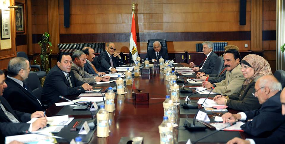 El-Beblawi held a high level meeting to discuss pension issues (Photo courtesy of  the Cabinet )