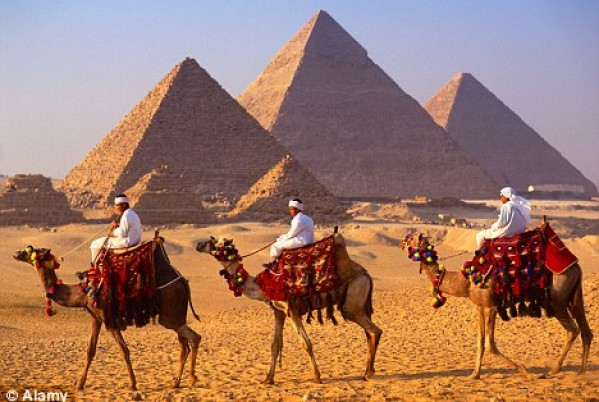 Egypt's tourism income was $7.5bn in 2014, with a growth of $1.6bn compared to 2013. (AFP File Photo)