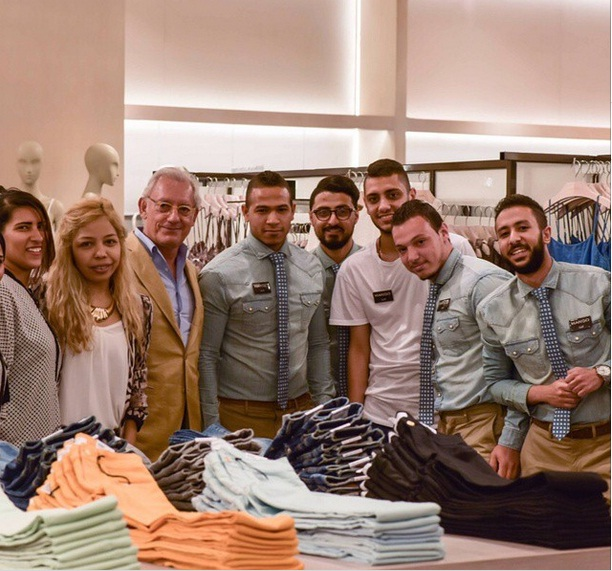 Andic meeting MANGO's in-store team in Cairo festival City (Photo from Retail Group facebook page)