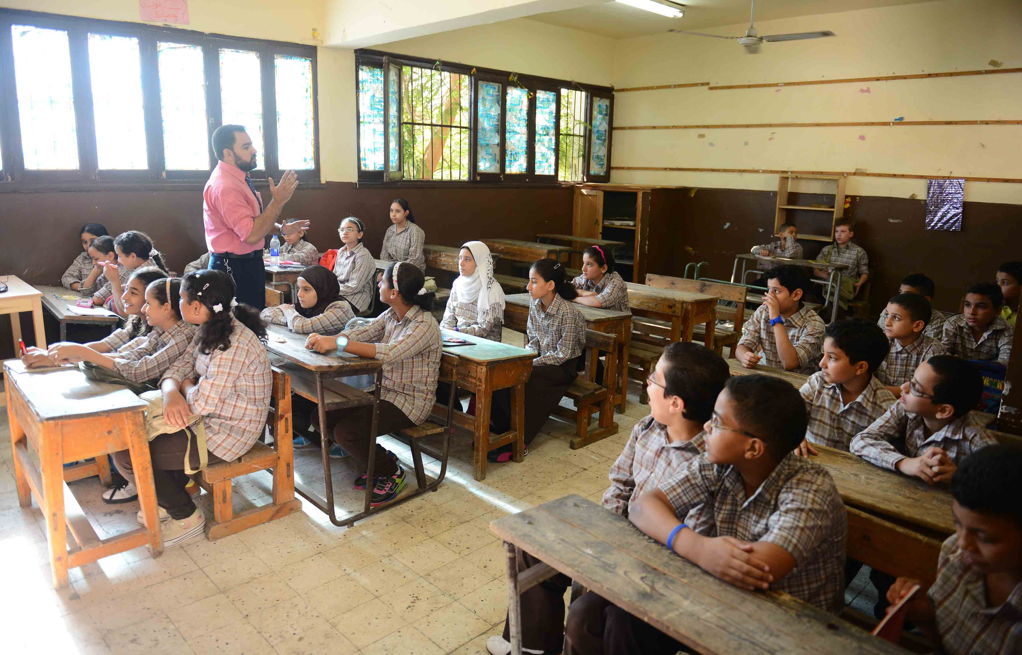 Students at a public school in Cairo. (DNE file photo)