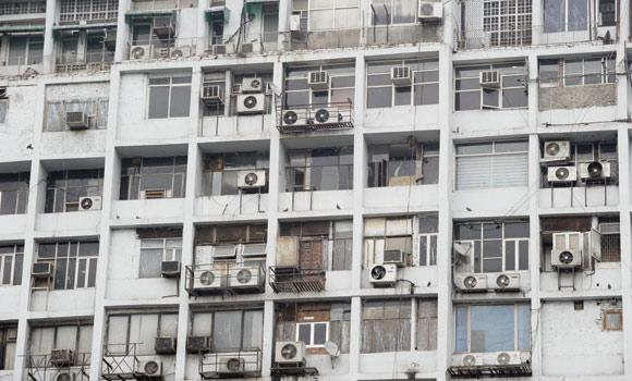 The Ministry of Industry and Foreign Trade is encouraging importers and producers to supply the market with more energy-saving air-conditioning units. (AFP Photo)