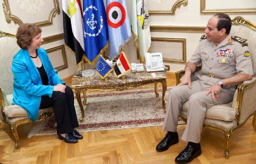 Egyptian defense minister Abdelfatah al-Sisi meets with EU foreign affairs chief Catherine Ashton in Cairo on 3 October 2013 (AFP)