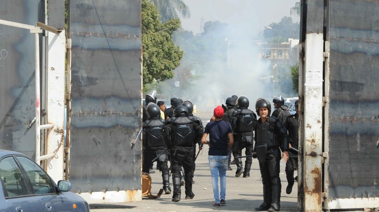 Azhar University Student clash with the riot police on October 12, 2014. (Photo by Ahmed Al- Malky)
