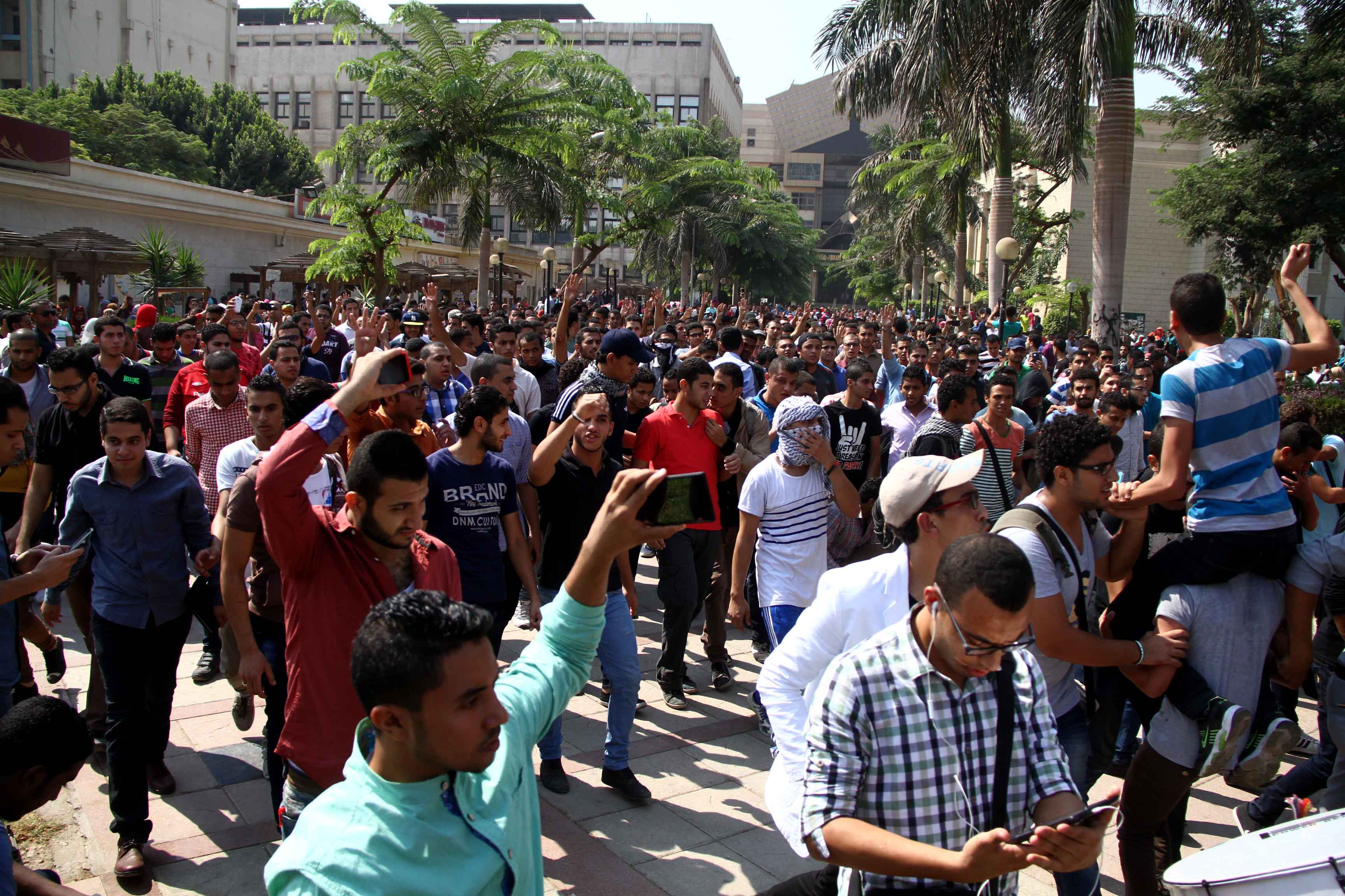 During the academic year's first week, 18 universities across Egypt witnessed 58 protests, an average of 10 per day. (Photo by Mohamed Omar\ DNE)