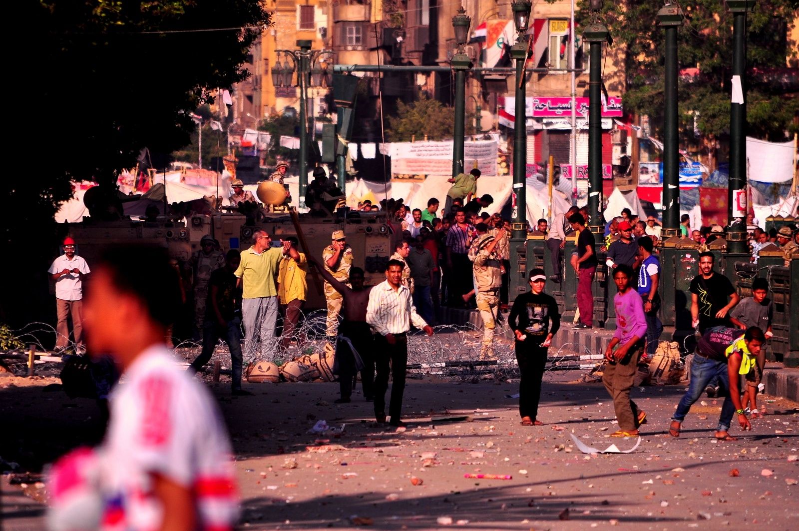 Clashes erupted late Monday afternoon in the Cairo neighbourhood of Garden City along the Corniche and in front of the British and American Embassies between pro- and anti-Morsi demonstrators (Photo by Aaron T. Rose)