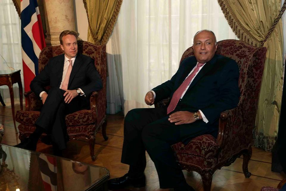 Egyptian Foreign Minister Sameh Shoukry and Norwegian counterpart Børge Brende discussed regional matters on Tuesday. (Photo Ministry of Foreign Affairs Handout)