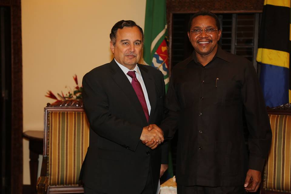 Interim Foreign Minister Nabil Fahmy discussed the Nile River and African Union with Tanzanian President Jakaya Kikwete on   Saturday night (Photo Ministry of Foreign Affairs Handout)