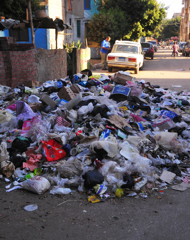Rubbish accumulating to form piles on the roads of Cairo; a source of organic waste that remains unutilised.  (Photo by Hassan Ibrahim )