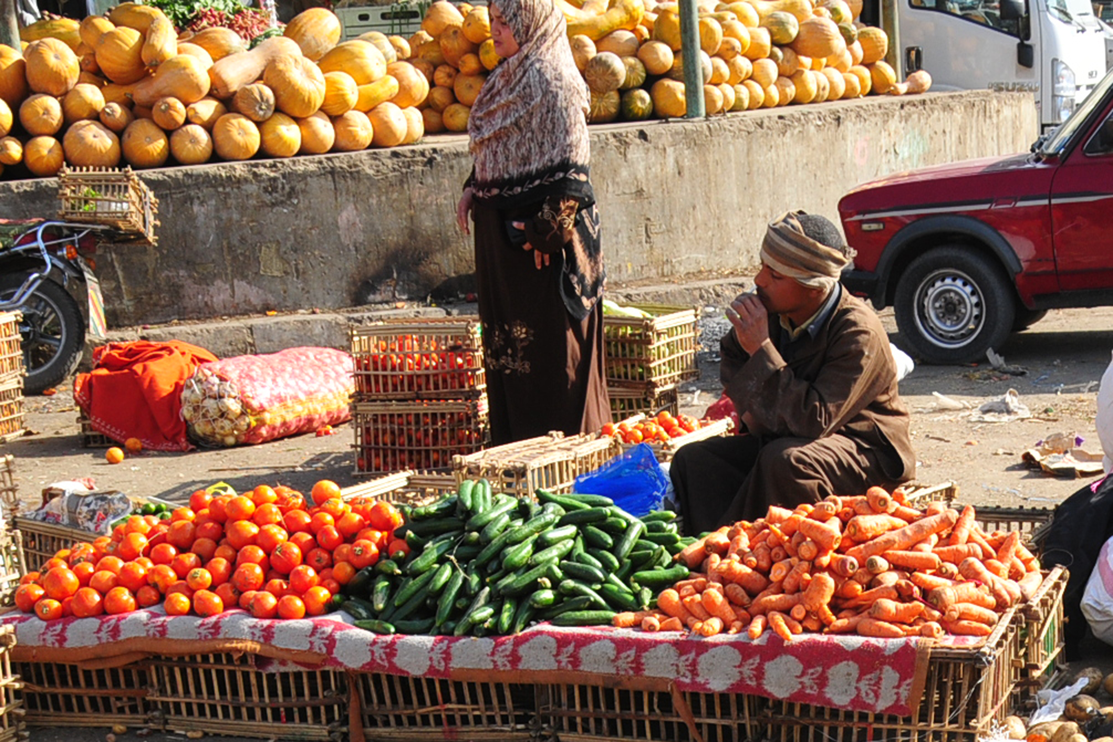 The cabinet gave a grace period of a week for these prices to return to normal. (Photo by Hassan Ibrahim\DNE File)