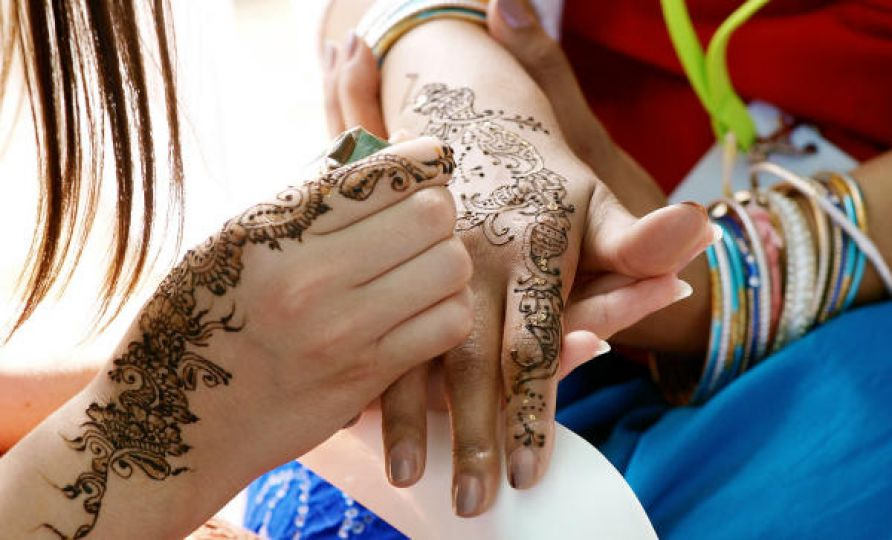 Henna Party AFP