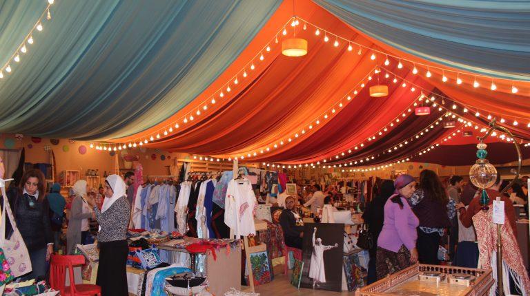 International Handicrafts Show Keeps Handmade Crafts Alive Daily