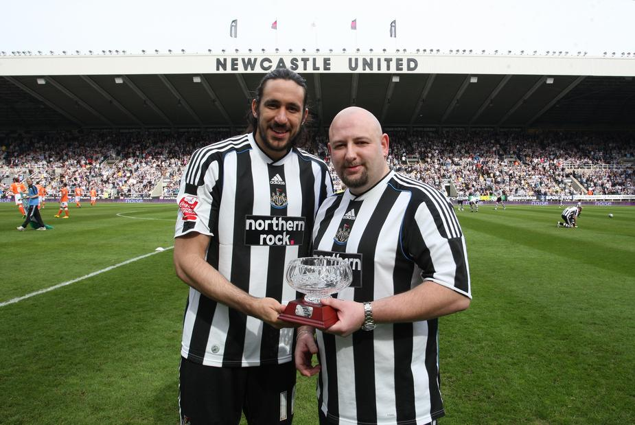 In 2013, the Argentine player Jonás Gutiérrez discovered his testicular cancer, after feeling severe pain during a match with his team, Newcastle United, against Arsenal.