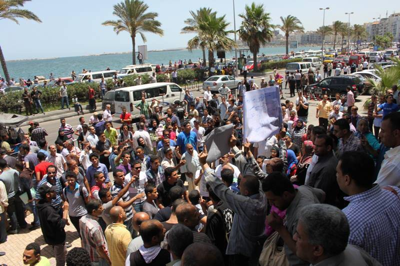 Supporters of Khaled Said and his family had gathered outside court to show solidarity in June 2013 (Photo Al-Dostour Party Handout)