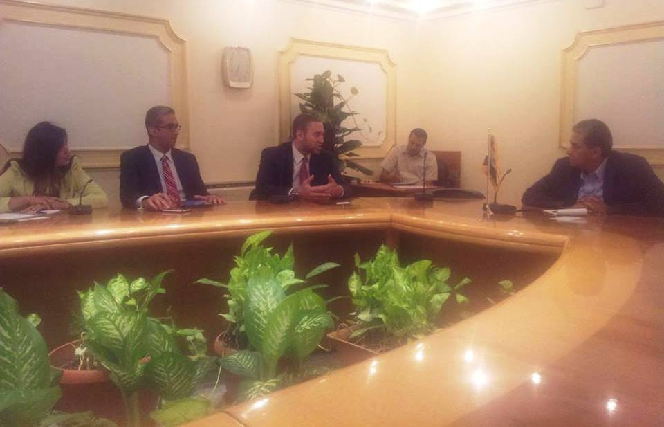 Minister of Environment Khaled Fahmy held talks Tuesday with computer software giant Microsoft on applying electronic information systems for environmental monitoring to observe violations. (Photo Ministry of Environment Handout)