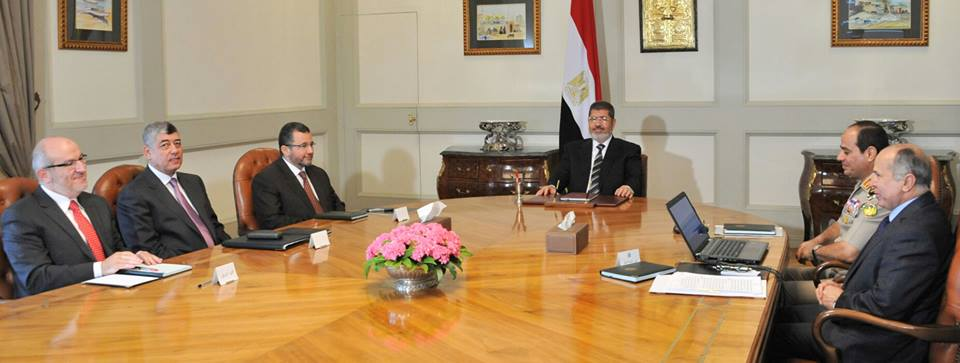 President Mohamed Morsi met with governmental and security officials on Tuesday at the Presidential Palace to discuss the security and development situation in Sinai. (Photo Presidency Handout)