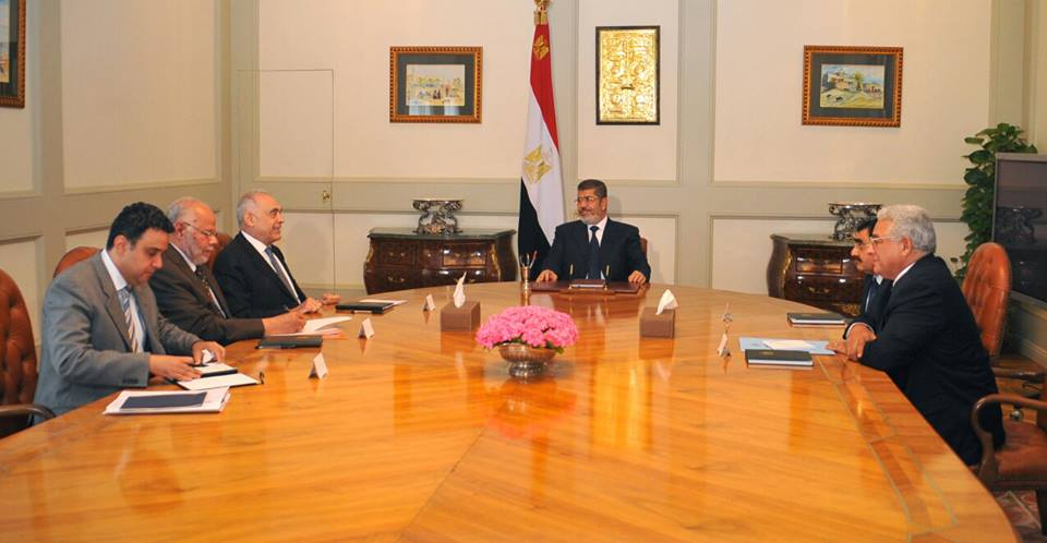 President Morsi holds meeting with ministers to discuss action plan with regards to the Ethiopian Renaissance Dam (Presidency handout photo)