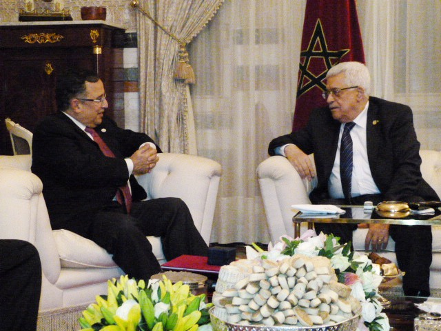 Minister of Foreign Affairs (right) Nabil Fahmy discussed the Middle East Peace Process with Palestinian President Mahmoud Abbas on Friday. (Ministry of Foreign Affairs handout)
