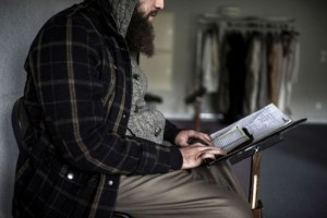 A man studies the Koran in a mosquein Saint-Leger-de-Fougeret, central France on October 16, 2012. (AFP/File, Jeff Pachoud)