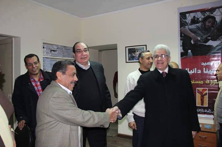 Presidential hopeful Hamdeen Sabahy (right) meets with members of the Social Popular Alliance Party's political bureau