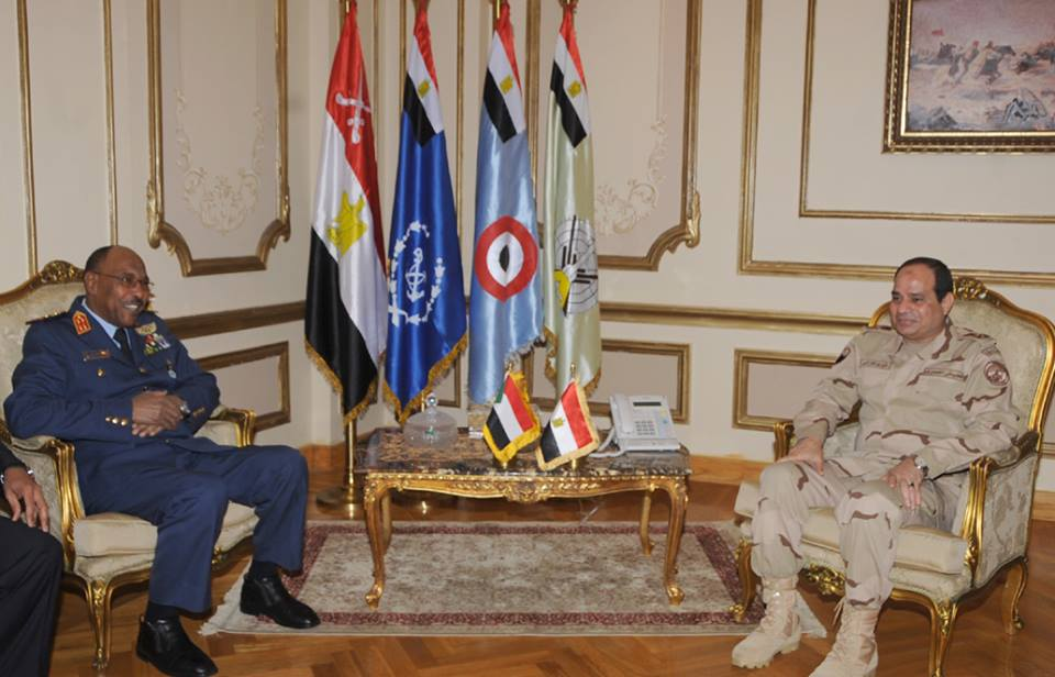 Minister of Defence Field Marshal Abdel Fattah Al-Sisi met Tuesday with his Sudanese counterpart Defence Minister Abdel Rahim Mohammed Hussein (Photo from Army Spokesman Facebook Page)