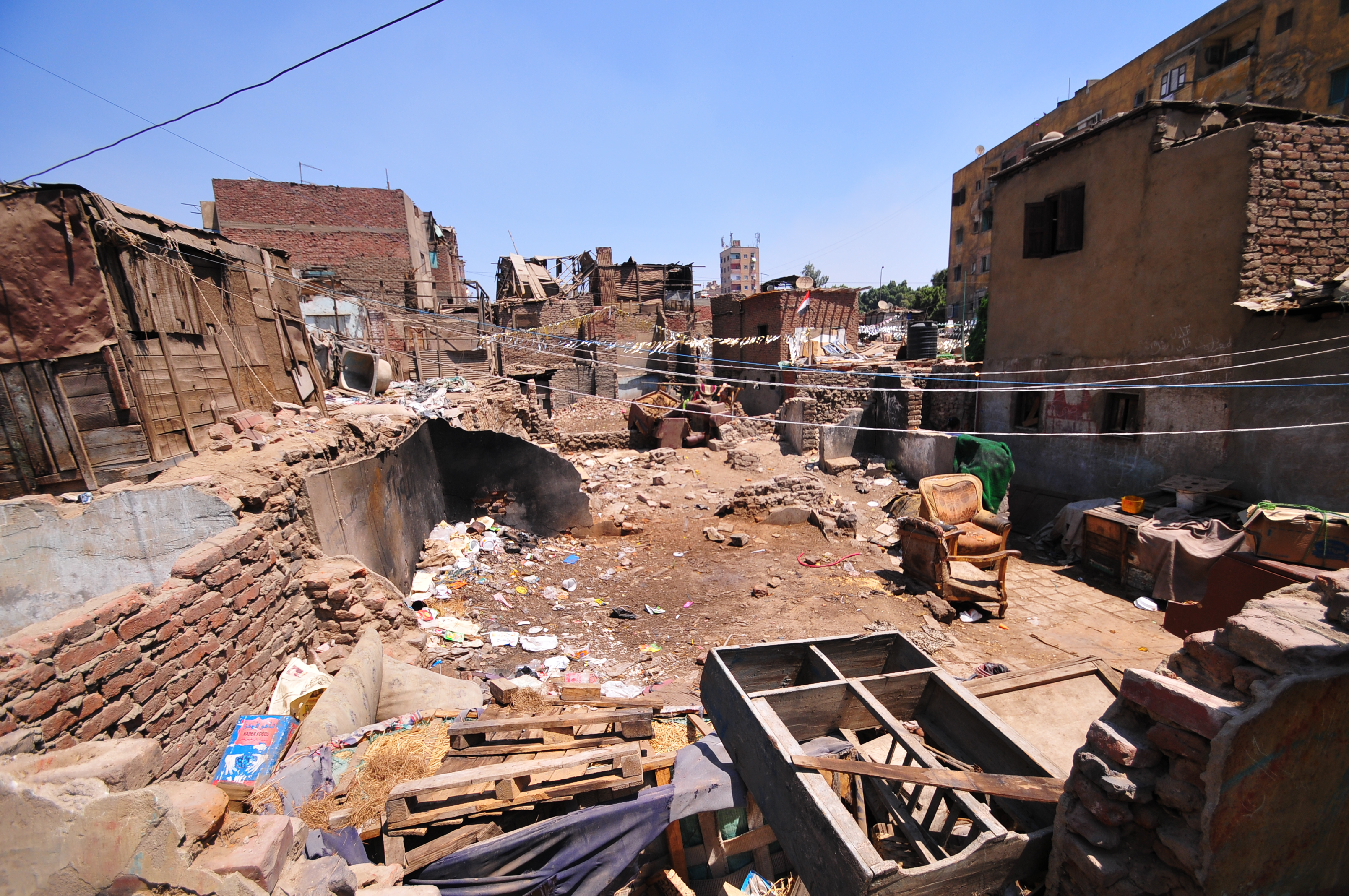 EGP 425m of new budget goes to slums (DNE Photo)
