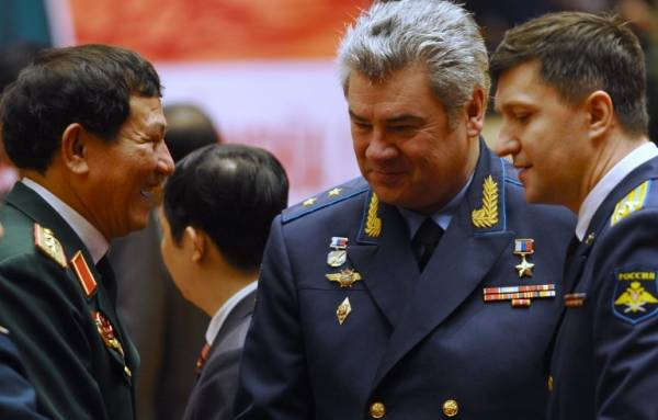 The head of Russia's air force, General Viktor Bondarev (centre) (AFP File Photo)