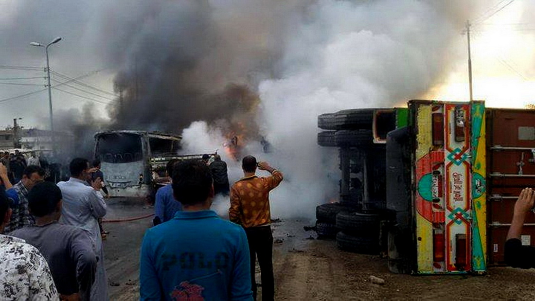 A crash involving a school bus, a lorry and a car on the 169 km of the Egypt–Alexandria road in Beheira governorate has left up to 18 dead and 18 injured. (Photo by Mohamed Omar\DNE)