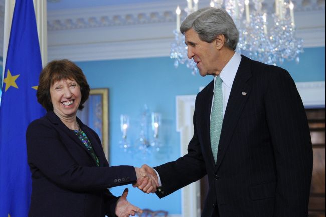 EU High Representative Catherine Ashton with US Secretary of State John Kerry (AFP File Photo)