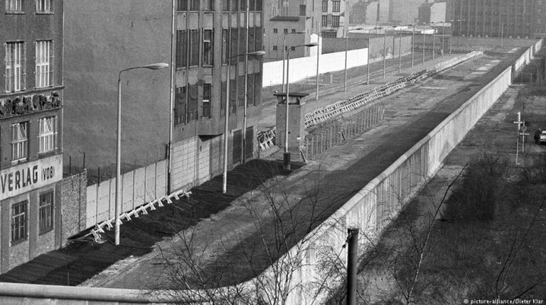 Berlin Wall — now down for as long as it once stood - Daily