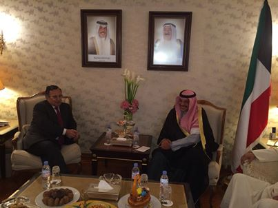 Kuwaiti Minister of Foreign Affairs Sheikh Sabah Khaled Al-Sabah welcomed Foreign Minister Nabil Fahmy and stressed his anticipation to have a Kuwaiti named as president of the 21-country league. (Photo Ministry of Foreign Affairs Handout)