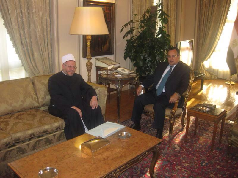 Foreign Minister Nabil Fahmy met with religious leader Grand Mufti Shawki Allam on Saturday to discuss religious protocol in visits abroad and the importance of spreading moderate Islam. (Photo Foreign Ministry Handout)