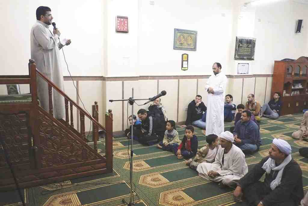The Ministry of Religious Endowments filed two reports on Friday against two preachers in two different mosques in the Giza governorate using its right of civil arrest for the first time. (AFP File Photo)