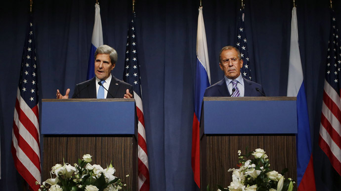 US Secretary of State John Kerry (L) and Russian Foreign minister Sergei Lavrov (AFP Photo/Larry Downing)