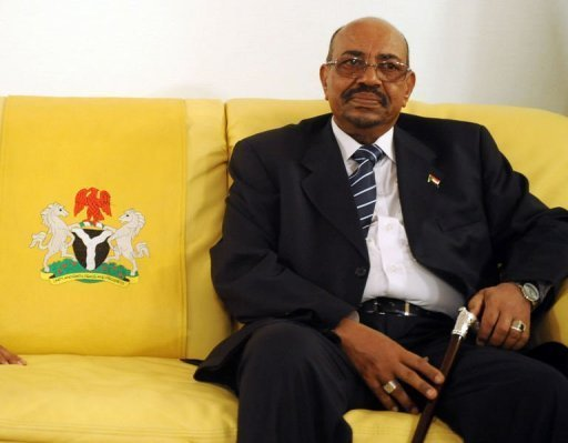 Sudan's President Omar al-Bashir pictured at Nnamdi Azikiwe International Airport in Abuja, Nigeria on July 14, 2013. Bashir has left Nigeria after demands for his arrest on war crimes charges, an embassy spokesman said Tuesday, though he denied his departure was due to the controversy. (AFP Photo)