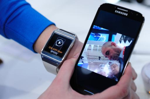 Samsung Gear smartwatch is presented at the Mobile World Congress in Barcelona, on February 24, 2014  (AFP/File, Josep Lago)