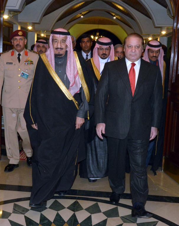 Pakistani Prime Minister Muhammad Nawaz Sharif (right) welcomes Saudi Crown Prince Salman bin Abdul Aziz Al-Saud at the Prime Minister's House in Islamabad on February 17, 2014 (AFP Photo)