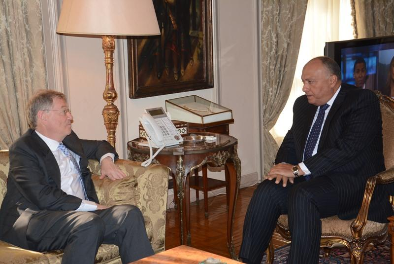 Minister of Foreign Affairs  Sameh Shoukry met with the United Nations Special Coordinator for the Middle East Peace Process, Robert Serry, in Cairo Monday, to discuss the Palestinian-Israeli peace talks. (Photo Ministry of Foreign Affairs Handout)
