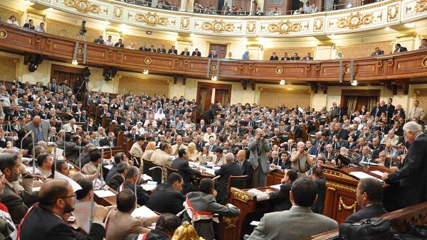 Parliament's religious affairs committee approves in principle draft law to regulate 'fatwa' - Daily News Egypt