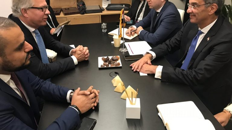 Egyptian MCIT Minister meets with representatives from