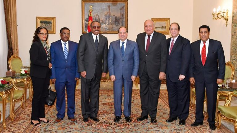 Egypt's President Abdel Fattah El Sisi and Former Prime Minister of Ethiopia Hailemariam Desalegn with Minister of Foreign Affairs Sameh Shoukry and Head of Egypt's General Intelligence Service GIS Abbas Kamel during a meeting in Cairo