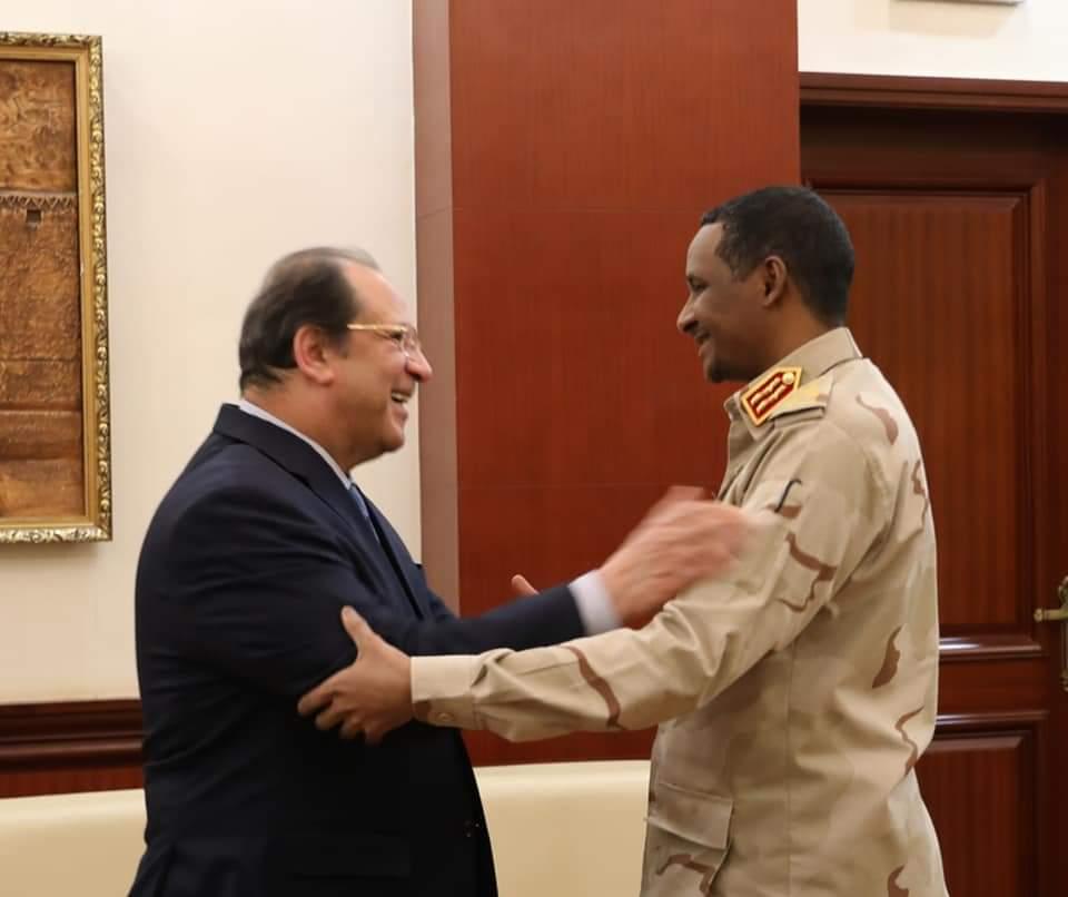 Head of Egypt's General Intelligence Service Abbas Kamel with the Deputy Head of Sudan Sovereign Council Mohamed Hamdan Daglo (Hamidati)