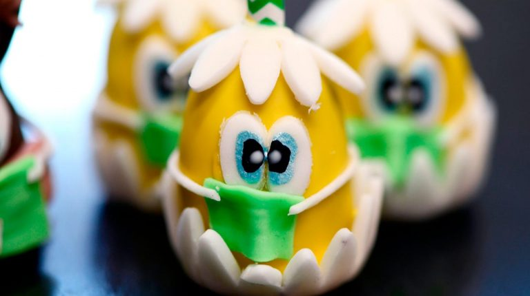 Chocolate makers in the US, England, and Switzerland made Easter chocolate rabbits wearing face masks, while in Scotland, bakeries made chocolate eggs wearing medical masks.