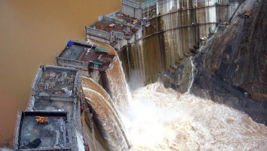 Grand Ethiopian Renaissance Dam (GERD) on the Nile River threatens Egypt water resources