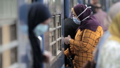 People in a Metro station in Cairo wearing masks to protect against coronavirus COVID-19 Daily News Egypt