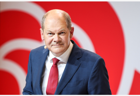German Vice Chancellor and Finance Minister Olaf Scholz attends a press conference in Berlin, capital of Germany, Aug. 10, 2020. German Social Democratic Party (SPD) proposed Olaf Scholz as candidate for Chancellor at the upcoming election in 2021. (Xinhua/Shan Yuqi)