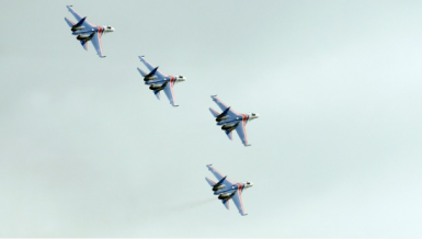 Russian fighter jets Su-27 of the Russian Knights aerobatic team perform during an air show in Kubinka, Russia, (Xinhua/Pavel Bednyakov)
