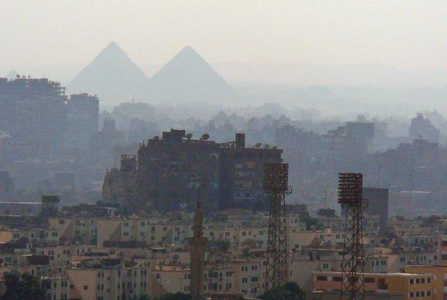 قطر ومصر أكثر الدول العربية تأثراً بتلوث الهواء: تقرير معهد التعليم العالي