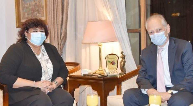 مصر واليونان تبحثان سبل تعزيز التعاون الثقافي والفني الثنائي
